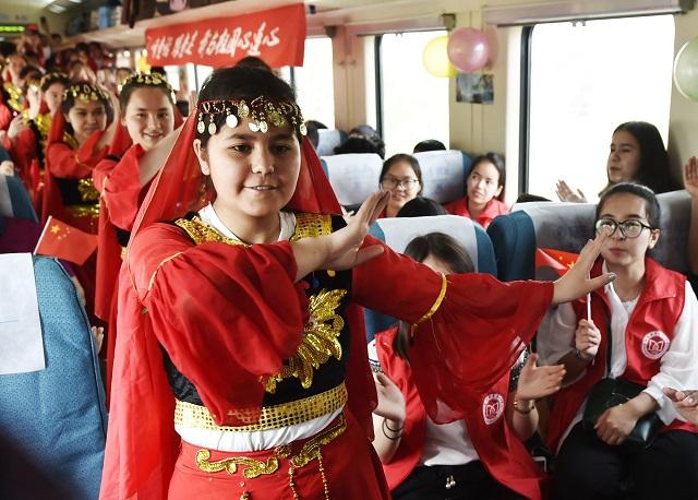 新疆考生的列车情